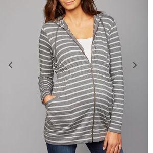 A Pea in the Pod layering sweatshirt sz large